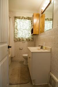 IWMH1008 - Bathroom Before - 1